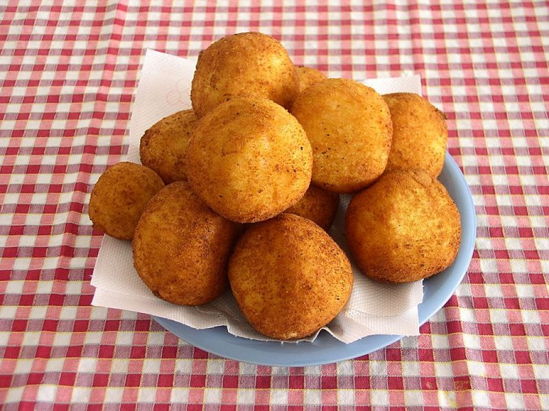 Delicious Arancini rice balls are easy to make. See the recipe and method