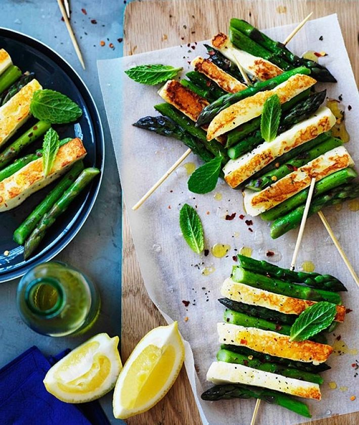 Char-grilled asparagus and haloumi with mint and lemon - learn how to cook asparagus to perfection in this article