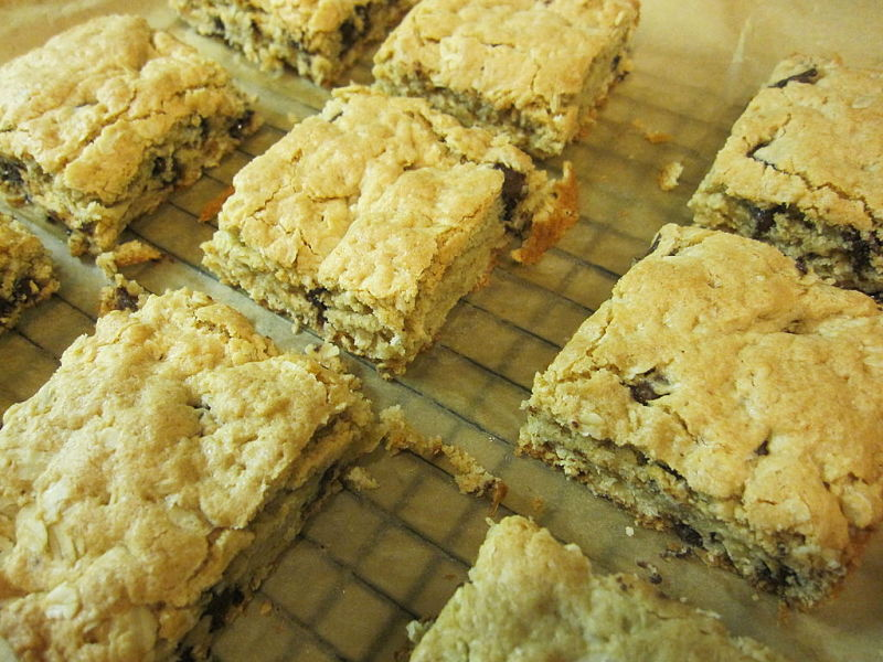 Oatmeal and fruit add to blondie recipes boosts the fiber and nutrients. Healthy blondies are easy to make at home
