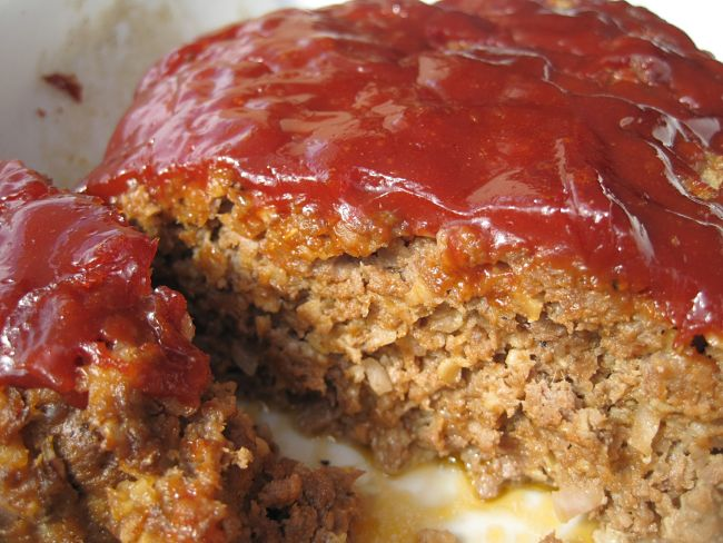 Meatloaf stuffed with cheese and coated with a tomato salsa - delicious - see more recipes here