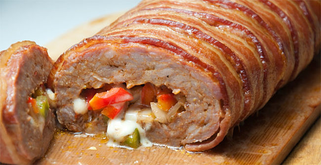Italian stuffed Meatloaf wrapped in bacon - learn how to make it here