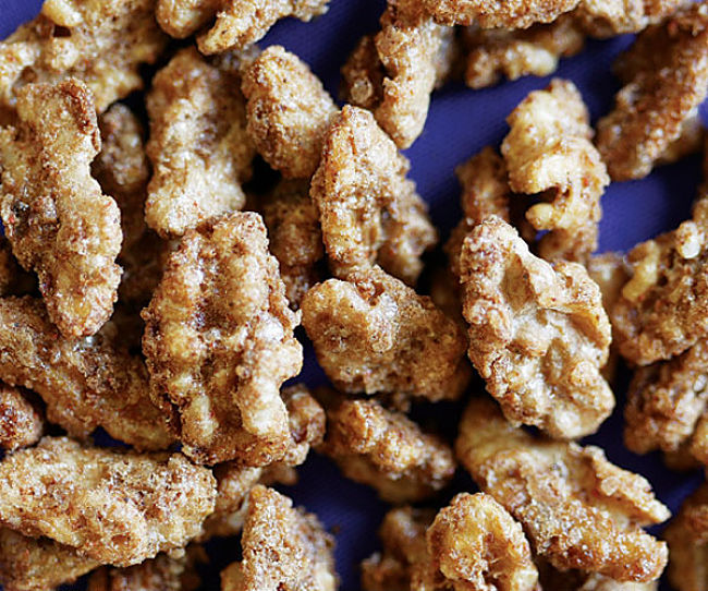 You can made candied walnuts with this guide, tips and recipes