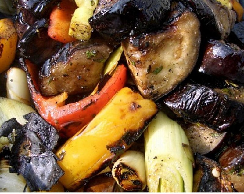 Nice collection of barbecued vegetables. See how to prepare them here.