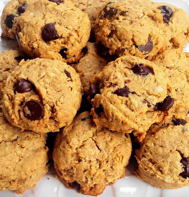 Homemade oatmeal cookies with chocolate buttons and nuts - see more recipes here