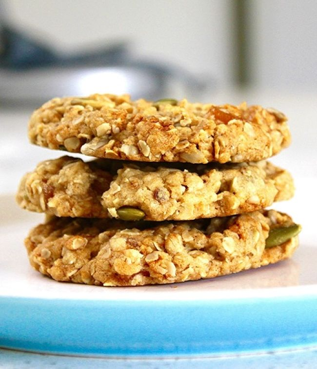 Oatmeal cookies with pumpkin seeds and spices