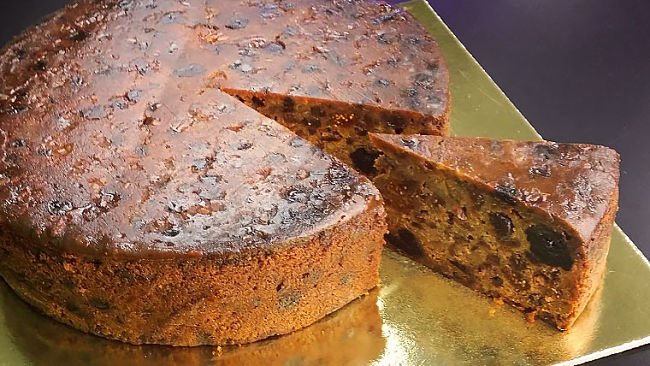 A lovely rich fruit cake - learn the perfect methods using the tips and recipe collection in this article