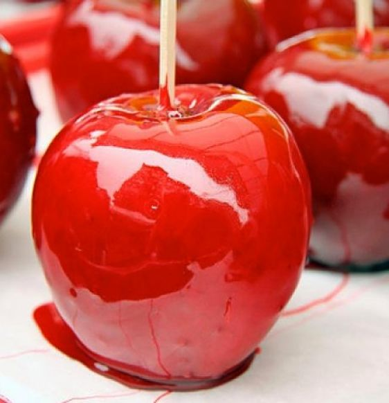 The classic toffee apple that everyone loves is easy to make using this simple recipe