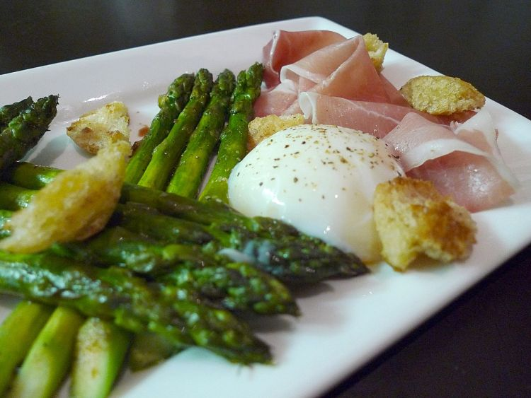 Grilled asparagus pairs very well with eggs and bacon for a delicious breakfast
