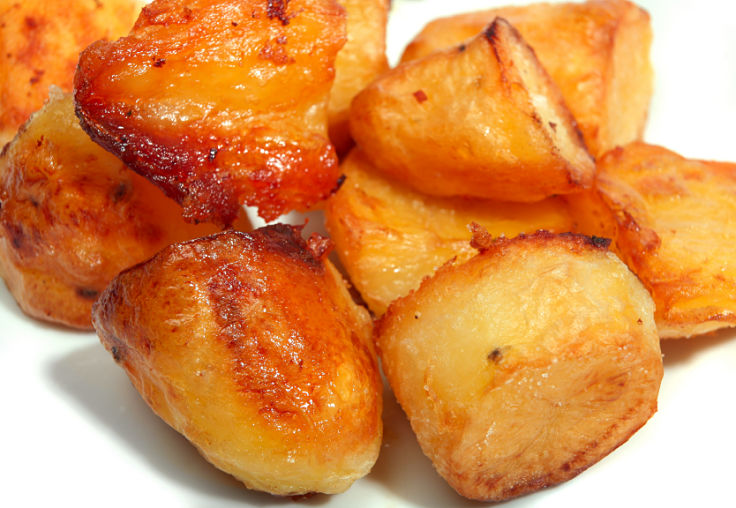 Lovely roasted potatoes with crisp skin after par-boiling - discover the secrets here