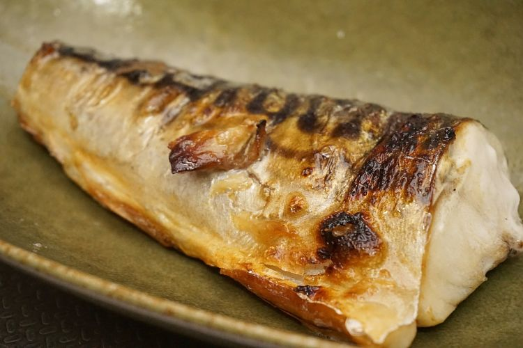 Grilling fish retains all the delicate flvors of the fish and avoid this taste being swamped by batter and oil flavors