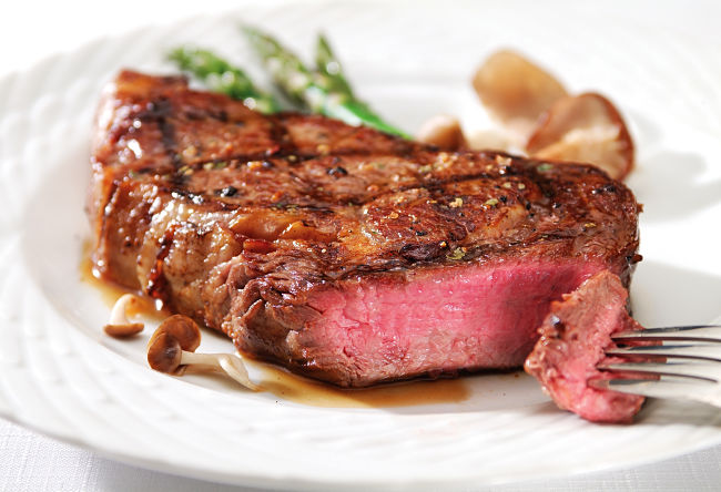 Lovely medium rare steak - Learn how to cook the perfect steak.