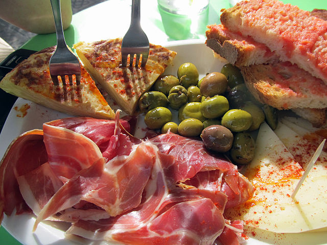 Spanish tapas are a collection of 'finger foods' to share between family and friends. Best ever collection of tapas recipes here