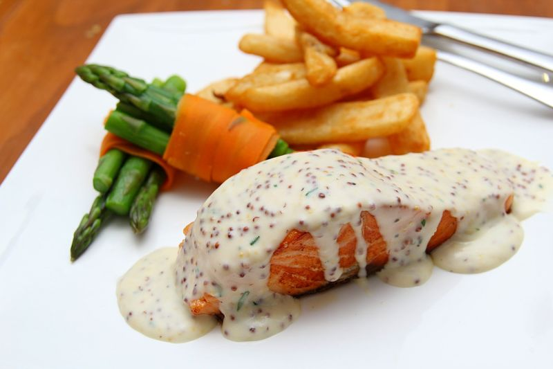 Discover how to prepare delicious and healthy honey mustard salmon with these recipes