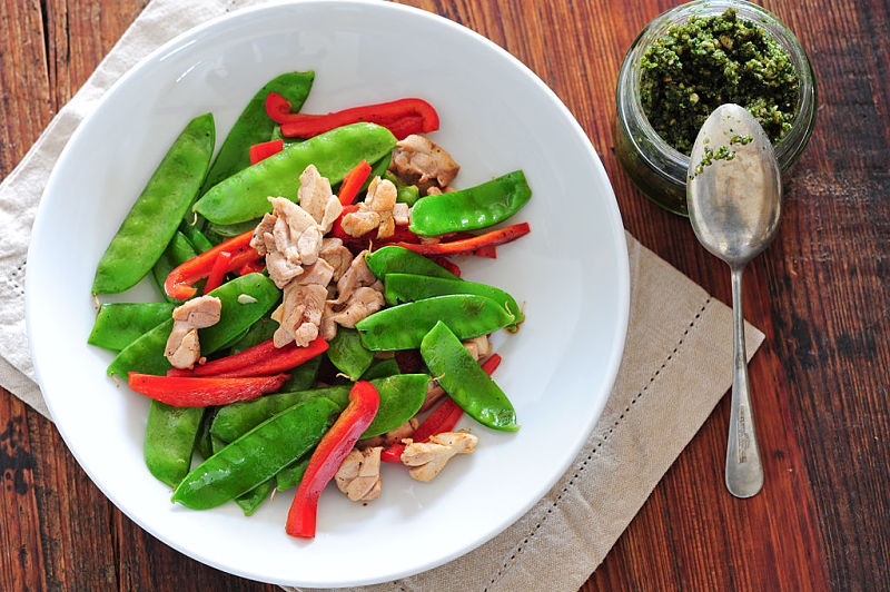 Light stir fry dishes without rice are very healthy and have low calories