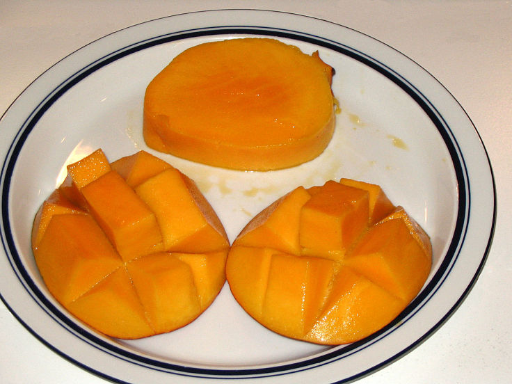 It is easy to extract the soft flesh from mangoes in ways that retain its texture