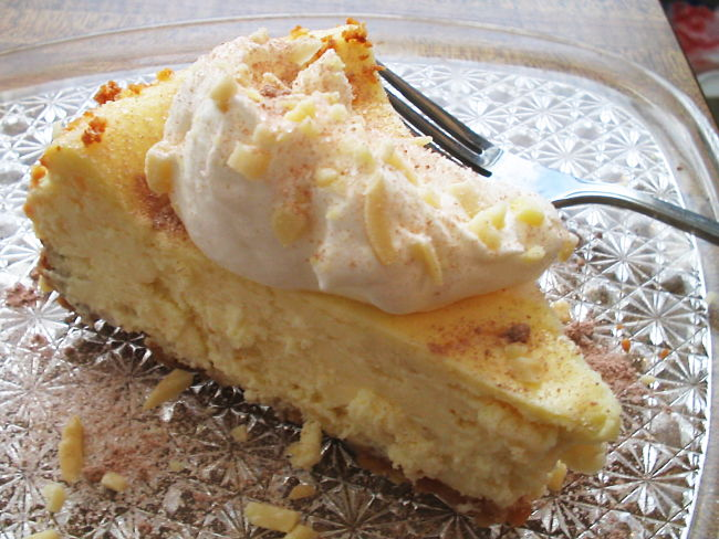 Almond cheesecake - Wow! See more recipes here in this article