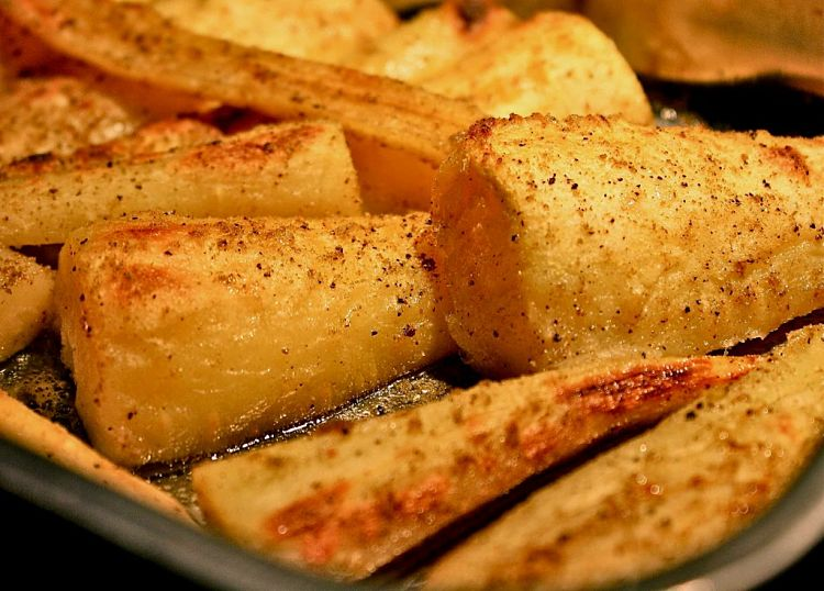 Baked parsnips are easy to prepare with the tips and guides provided in this article.