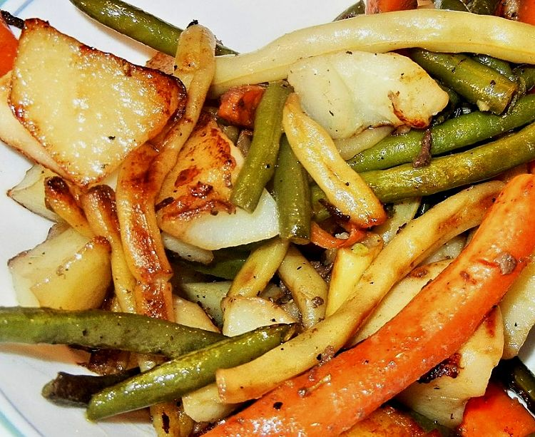 Having a mix of roasted vegetables pairs so well with grilled, roasted and barbecued meat and baked fish as well