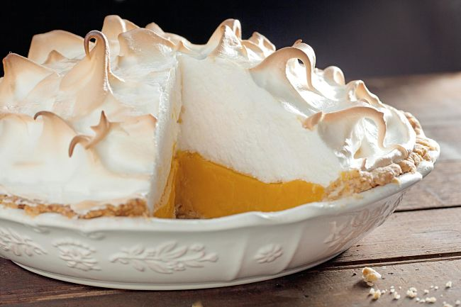 Apricot merigue pie makes a pleasant surprise from lemon meringue pie. See more recipes here in this article