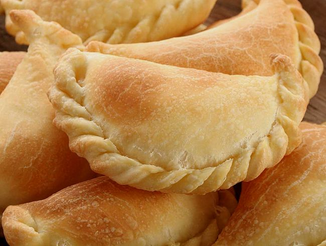 Discover how to make delicious homemade Sambusak pastry parcels filled    with various meats, cheese and vegetables.