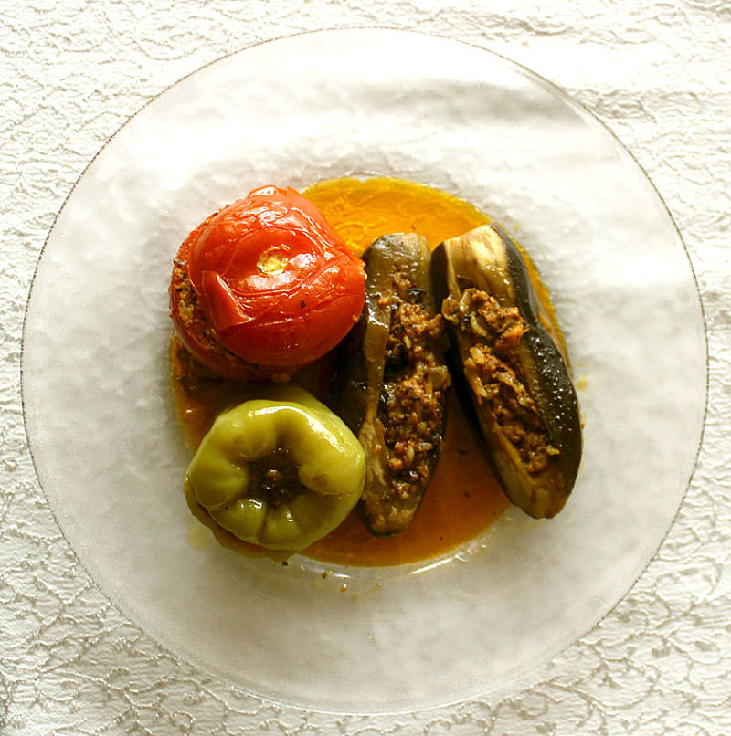Eggplants can be stuffed with various meats and vegetables. There are also many delicious vegan options. Spices also pair with baked eggplant halves
