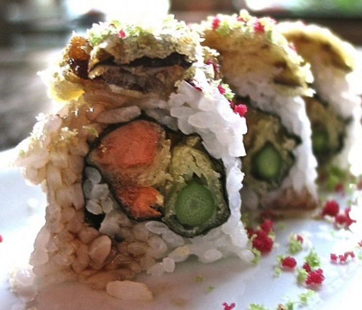 Vegetarian sushi rolls can be made 'nude', that is without using nori sheets